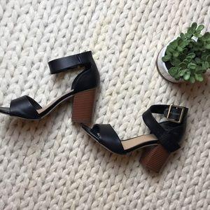 ⭐️ worn once! Black merona heels